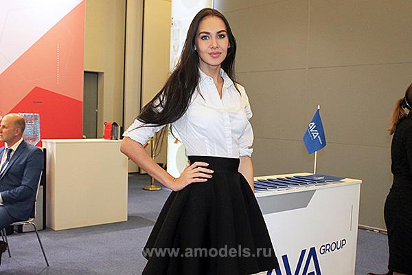 Работа на выставке девушка работа по дому омск для девушки